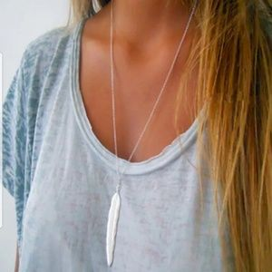 simples silver feather necklace